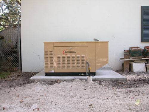 20 KW 120/240 VOLT 83 AMP SINGLE PHASE LP UG
